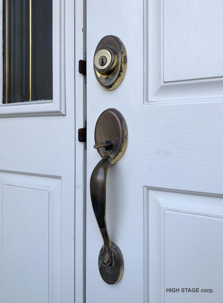 輸入玄関ハンドルのkwikset(クイックセット)のハンドル。デッドボルトの交換