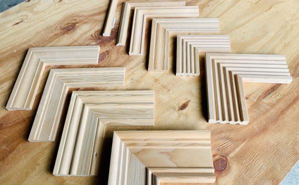 内部造作材の木製モールディングのケーシング(額縁)のサンプル材です。ハイステージではモールディング材の販売〜取り付け工事まで行っています。