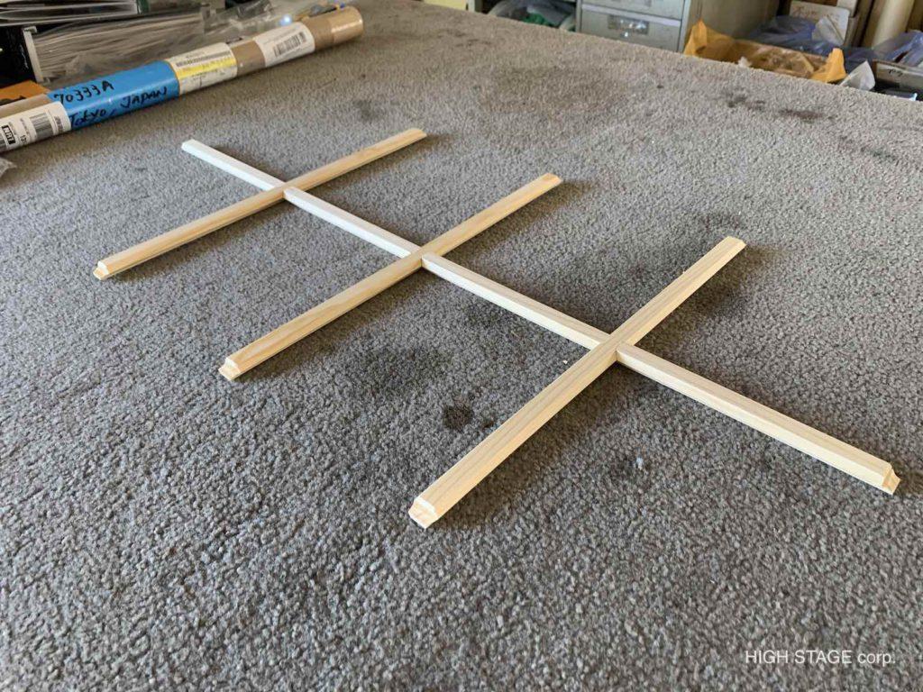 輸入住宅のメンテナンス・リフォームを行っています。木製サッシの格子は新調が可能です。おうちのサッシに合わせてサイズオーダーもできますよ。