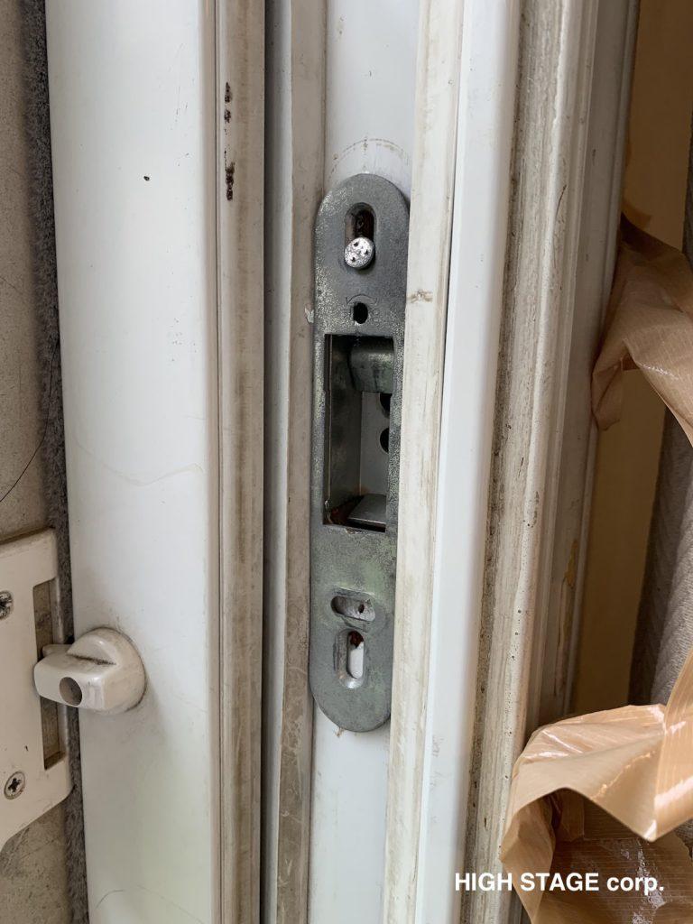 輸入住宅のメンテナンス・修理を行っています。輸入窓、輸入サッシに関するお悩み解決します。部材の調達ご相談承ります。掃き出しサッシのロックパーツやハンドルの交換も承ります。