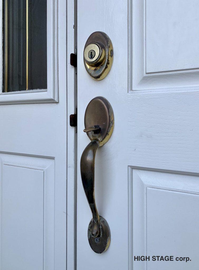 輸入住宅リフォーム、修理を行っています。輸入のドアハンドル・鍵は地元の鍵屋さんでは対応できない事も多々あります。鍵屋さんに限らず輸入住宅、輸入建材に詳しい業者さんへのご相談をオススメします。